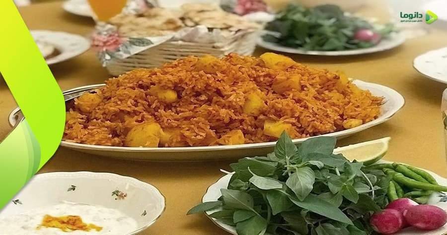 مراحل تهیه استانبولی پلو یا دمی گوجه فرنگی
